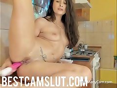 Sexy girl squirts in the pantry - bestcamslut.com