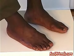 Muscular Ebony hunk Dynamite gushes off his muscles together with toes