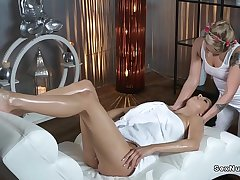 Homophile erotic oiled feet massage