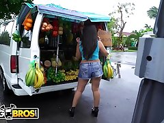 BANGBROS - Fruit Lady Luna Leve Gets Freaky On The Rumble Bus!