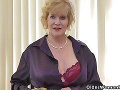 American gilf Sindee Dix will mandate you what she likes most
